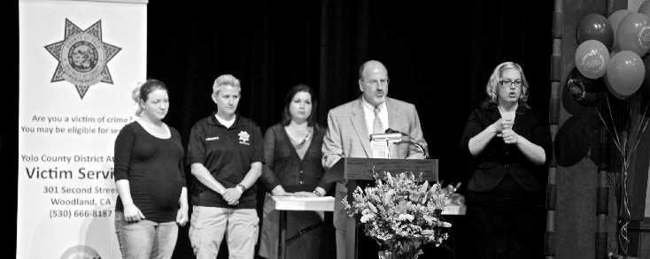 Victims' Tribute Ceremony 2013 (2)